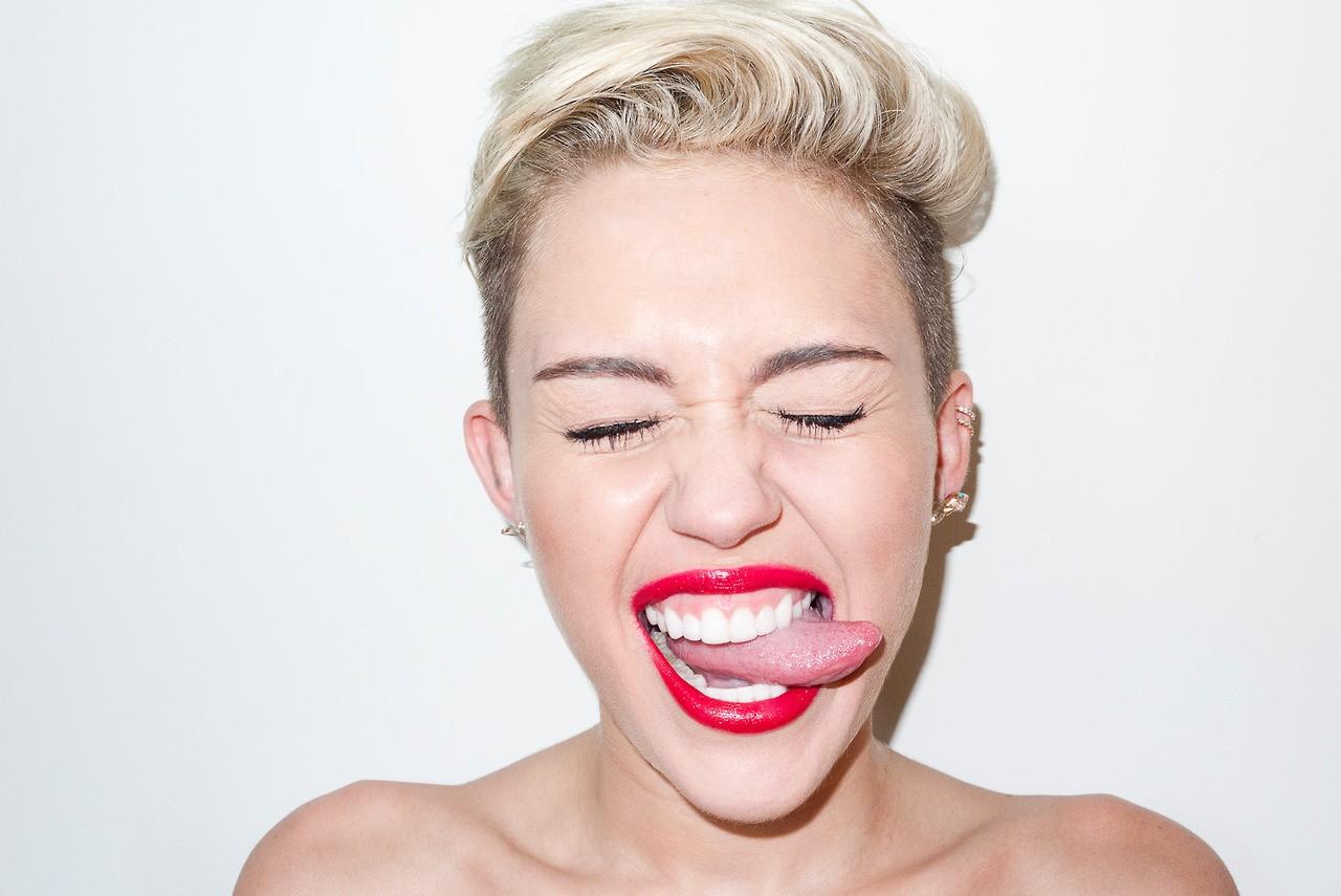 Miley Cyrus 2014 Tongue